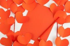 Corde rouge de papier de coeur pour le fond Photographie stock