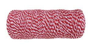 Corde rouge et blanche pour envelopper des boîtes de paquet et de courrier d'isolement sur le fond blanc, chemin Images stock