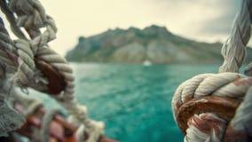 Corde sulla barca stock footage