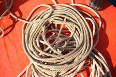 Corde sur le bateau Photographie stock libre de droits