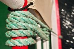 Corde sur le bateau, fond abstrait Photographie stock