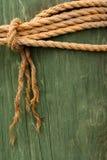 Corde sur le poteau photo stock
