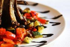 Cordeiro com vegetais Fotografia de Stock Royalty Free