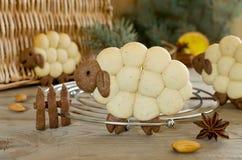 Cordeiro dos biscoitos da amêndoa com especiarias Foto de Stock Royalty Free