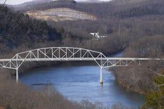 Cordell船身纪念桥梁在迦太基田纳西 库存照片