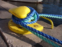 Cordes de quai de Stockholm, l'Europe Images stock