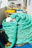 Cordes nautiques sur le fond de plate-forme de bateau dans Philipsburg, Sint Maarten Images libres de droits