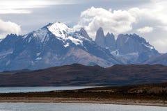 Cordilheira Paine no parque nacional do ` de Torres del Paine do `, Patagonia imagem de stock