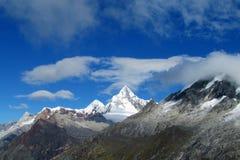 Cordillera Blanca góry od Santa Cruz śladu Zdjęcie Royalty Free