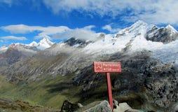 Cordillera Blanca Santa Cruz Track, paso de la unión de Punta Fotos de archivo