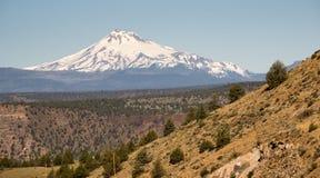 Cordillera de Jefferson Stands Majestic Oregon Cascade del soporte Imagen de archivo