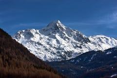 Cordillera de las montañas en Solden Imágenes de archivo libres de regalías