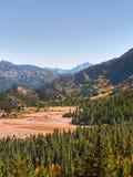 Cordillera de Sierra Nevada en otoño temprano fotos de archivo libres de regalías