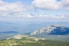 Cordillera debajo de las nubes Imagen de archivo