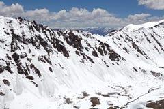 Cordillera del paso de Khardung, Ladakh, la India Fotos de archivo