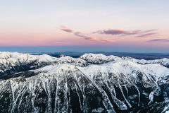 Cordillera momentos antes de la salida del sol Imagen de archivo libre de regalías