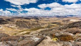 Cordillera Vilcanota gór pasma sceniczna krajobrazowa dolina osiąga szczyt Obrazy Stock