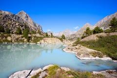Cordillera y lago glacial Foto de archivo