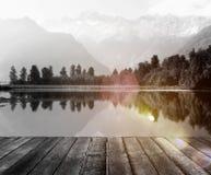 Cordillera y un agua de concepto de la superficie Foto de archivo