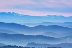 Cordilleras en la niebla Fotografía de archivo libre de regalías