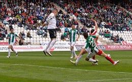 CORDOBA, ИСПАНИЯ - 17-ОЕ МАРТА: Альберто Garcia w (1) в действии во время лиги Cordoba спички (w) против Альмерии (r) (4-1) Стоковая Фотография