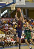 CORDOBA, ИСПАНИЯ - 14-ОЕ СЕНТЯБРЯ: ДЖАСТИН DOELLMAN b (5) в действии во время FC Barcelona спички (b) против CB Севильи (g) (91-8 Стоковое Фото
