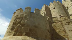 Cordoba Andalucia, Spanien, April 20, 2016: Calahorra torn arkivfilmer