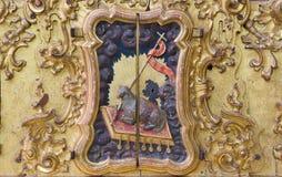 Cordoba - den sned polychrome detaljen av altaret av Madonna från 17 cent i kyrka av kloster Convento Santa Marta Royaltyfria Foton
