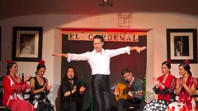 Cordoba Hiszpania, Kwiecień, - 20: Flamenco piosenkarzów i tancerzy performi zdjęcia royalty free