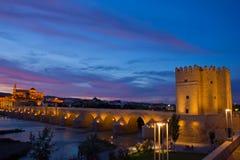 Cordoba på natten, Spanien arkivbild