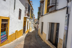 Cordoba Spanien - Juni 20: De tomma gatorna av Cordoba på Juni Arkivbild