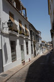 Cordoba Spanien - Juni 20: De tomma smala gatorna av den Cordoba nollan Arkivfoto