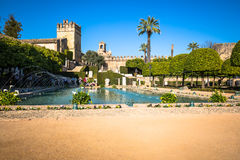 Cordoba, Spanien-März 11,2015: Der berühmte Alcazar mit schönem GA Stockfotografie