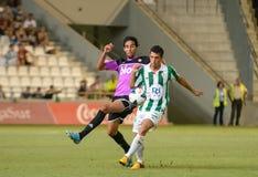 CORDOBA, SPANJE - AUGUSTUS 18:  Carlos Caballero W (21) in actie tijdens gelijkeliga Cordoba (w) versus Ponferradina (b) (1-0) in  Stock Foto