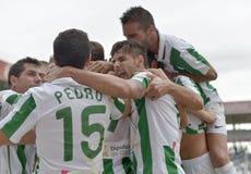 CORDOBA, SPANJE - SEPTEMBER 29: De spelers die van Cordoba doel vieren tijdens gelijkeliga Cordoba (w) versus Girona (b) (2-0) royalty-vrije stock foto's