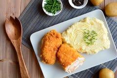Cordon bleu with mashed potatoes Royalty Free Stock Images