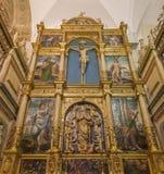 Cordova - l'altare policromo scolpito di Capilla de Santa Maria Magdalena y Asuncion de la Nuestra Senora in cattedrale Fotografie Stock Libere da Diritti
