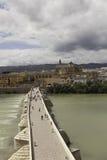 Cordova. Roman brug over de Guadalquivir. Stock Afbeeldingen