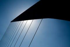 cords del puente de la mujer妇女桥梁细节在Buenos 免版税图库摄影