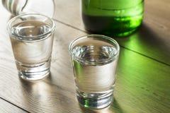 Coreano destilado claro alcoólico Soju imagem de stock royalty free