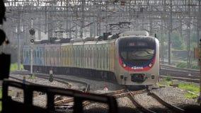 Coreia do Sul - 29 de maio de 2018: trem railway que chega à estação Transporte público em Ásia filme