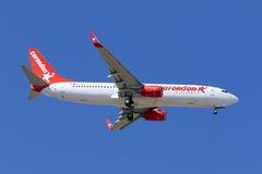 Corendon Airlines 737 på långa finaler Royaltyfria Foton