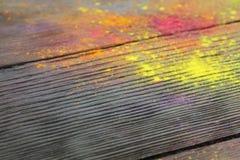 Cores de Holi na madeira Fotografia de Stock