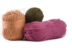 Cores de lã no fundo branco Imagens de Stock