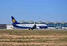 Cores de Ryanair Dreamliner imagem de stock