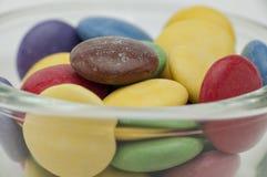 Cores diferentes dos doces de chocolate Imagem de Stock Royalty Free