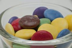 Cores diferentes dos doces de chocolate Imagens de Stock