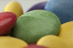 Cores diferentes dos doces de chocolate Imagem de Stock