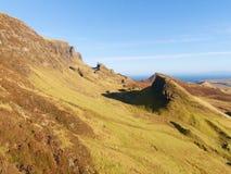 Cores do inverno da paisagem montanhosa na ilha de Skye em Escócia Escala bonita de Quiraing Foto de Stock