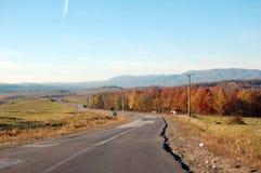 Cores do outono nas montanhas no dia foto de stock